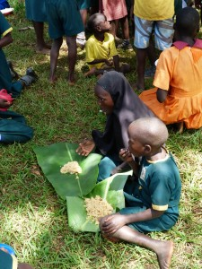 Banana leaves being used for plates as well as to cover the food to keep it hot and free of bugs.