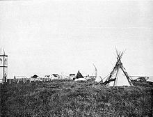 Fort_Albany,_Ontario_(1898) tents