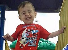 Alan_kurdi_smiling_playground